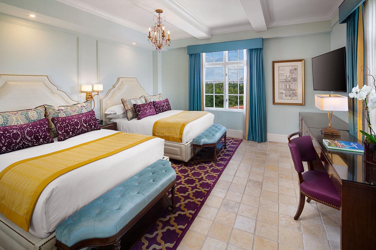 One bedroom suite double queen bed