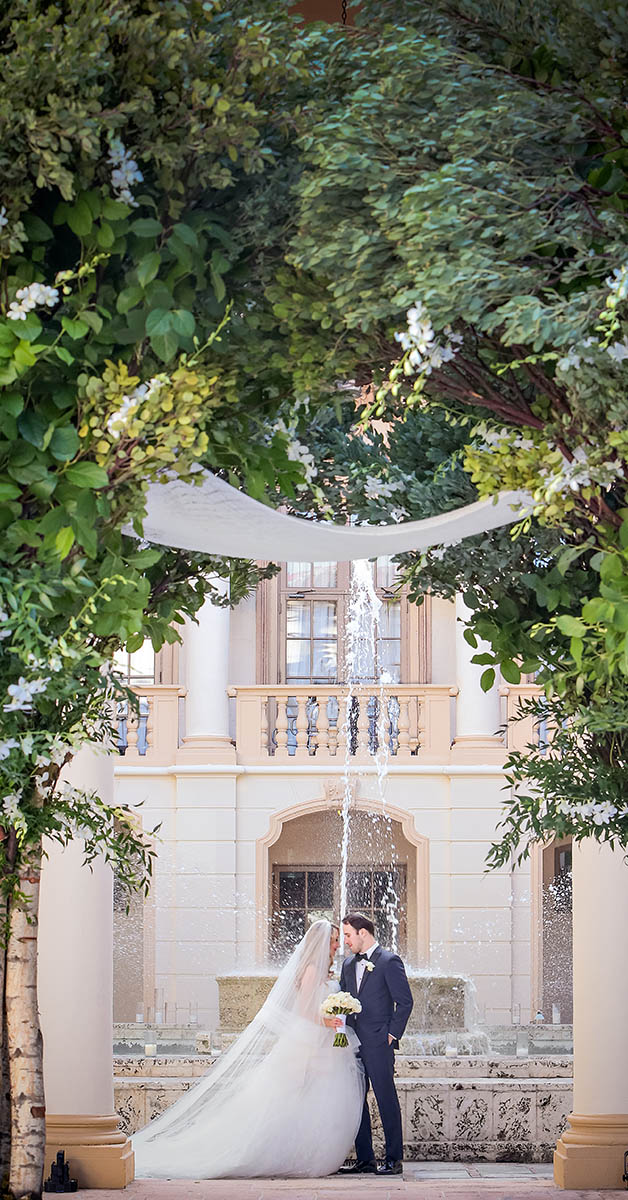 Country Club Courtyard – Photo by Emiliy Harris
