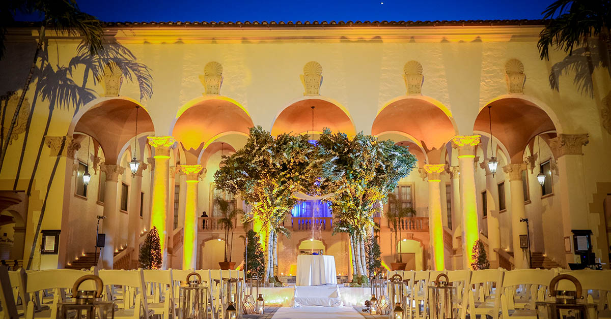 Country Club Courtyard – Photo by Emily Harris